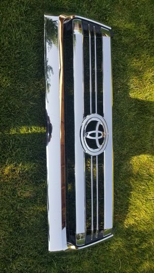 2017 Toyota tundra grille for Sale in Pasco, WA