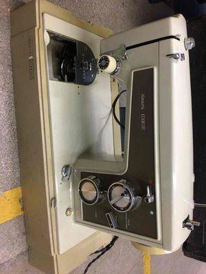 Sears sewing machine for Sale in Miami, FL