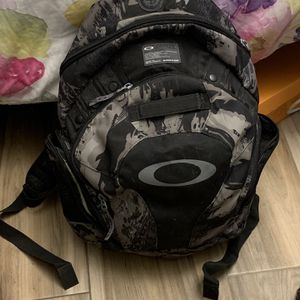 Oakley Frost Camo Day Pack for Sale in Encinitas, CA