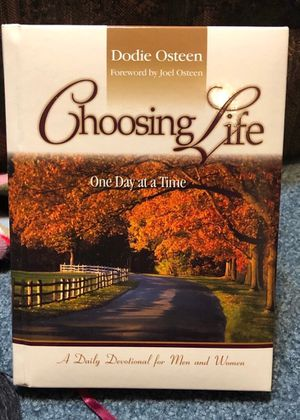 Like new daily devotional - Choosing Life One Day at a Time for Sale in Smyrna, TN
