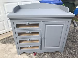 Changing table for Sale in Hickory Hills, IL