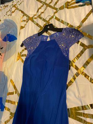 Back zipper and neck hook prom dress for Sale in Bethlehem, GA