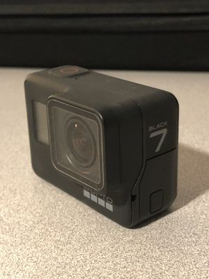 GoPro Hero 7 w/accessories for Sale in Lakeside, CA