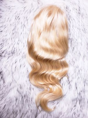"""Body wave full lace wig 18"""" for Sale in Newark, NJ"""