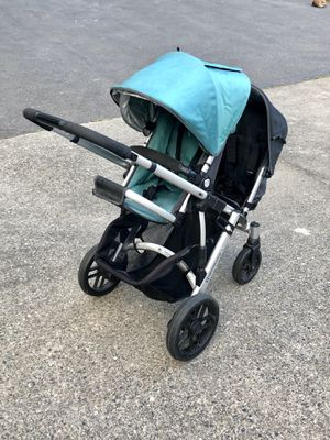 UPPAbaby Vista Stroller with Many Accessories for Sale in Snohomish, WA