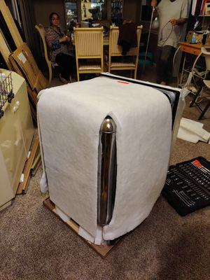 Free Whirlpool dishwasher WDT910SAYW 6 years old for Sale in Annandale, VA