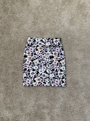 Forever 21 floral print skirt, size S for Sale in Hayward, CA