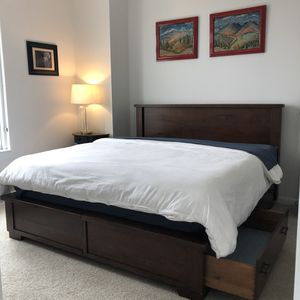 Pottery Barn/Temperpedic king bed set with storage for Sale in Washington, DC