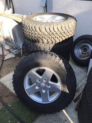 Tires. BFGoodrich M/T 255 75 17 like new. 900 total miles 100 of them trail time. Jeep wheels 2007 and newer $700 for Sale in Carlsbad, CA