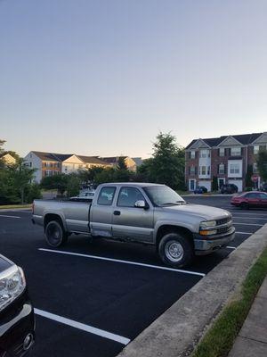 1999 Chevy Silverado 2500hd 4x4 6.0 gas for Sale in Leesburg, VA