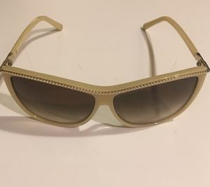 Awesome CHLOE Sunglasses - $99 never worn orig $425 for Sale in Chicago, IL