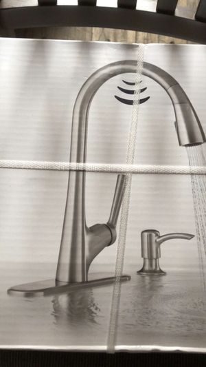 Kohler malleco touchless pull down kitchen faucet brand new for Sale in Plumsted Township, NJ