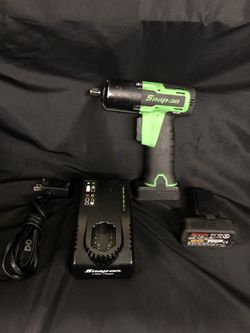 Snap On CT761AG 14.4v 3/8 Cordless Green Impact Driver W/ Battery Tested Works! for Sale in Los Angeles, CA