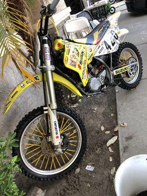2005 suzuki 2 stroke rm 85 dirt bike for Sale in Stockton, CA