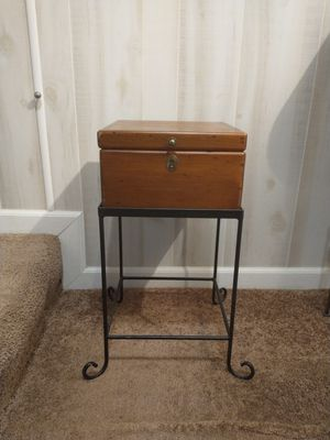 Wood chest + metal stand for Sale in Middletown, PA