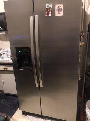 Refrigerator for Sale in Pasadena, CA