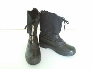 NEW BOOT SNOWMOBILE BLACK, VERY WARM, WATERPROOF, 6 for Sale in Lauderdale Lakes, FL