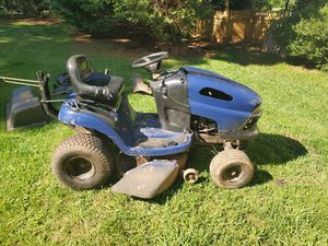 Riding lawn mower 42 inch deck for Sale in Charlotte, NC