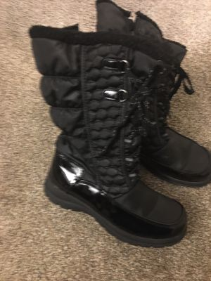 Tote's snow boots for Sale in Olmsted Falls, OH