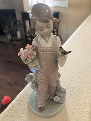 Lladro Girl Figurine for Sale in Oceanside, CA