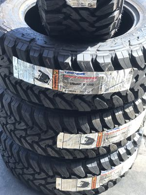Lt285/60r20 Toyo mud terrain for Sale in Long Beach, CA