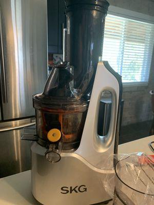 SKG Juicer Almost New for Sale in Phoenix, AZ