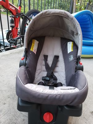 Infant car seat for Sale in St. Louis, MO