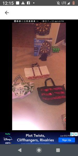 Brand New pink weekender bags for Sale in Clanton, AL