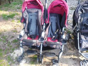 Combi double stroller for Sale in Franklin, NJ
