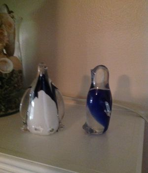 Collectible art glass penguin figurines for Sale in Powder Springs, GA