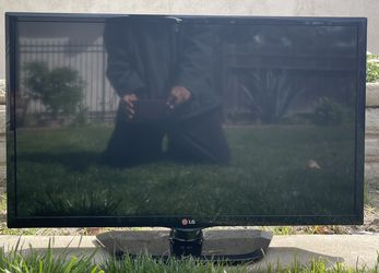 "LG 32"" 720p HD LED TV for Sale in Anaheim,  CA"