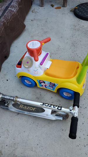 razor scooter and kid car for Sale in San Jose, CA