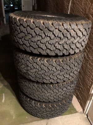 4 tires 265/70/15 95% life left 6 lugs from Nissan for Sale in Bakersfield, CA