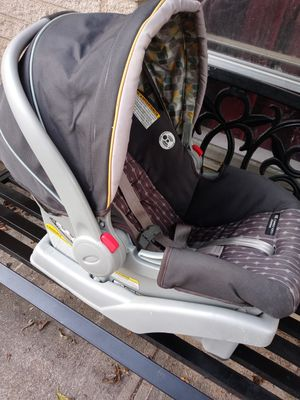 Graco car seat for Sale in Dallas, TX