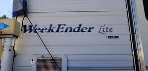 Weekender truck camper for Sale in Colorado Springs, CO