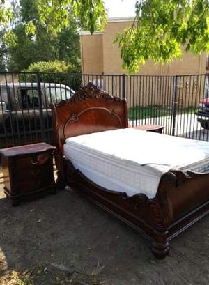 Bedroom set for Sale in Fontana, CA