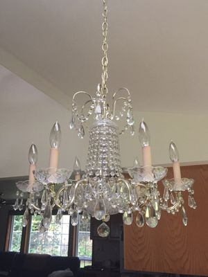 Beautiful Glass Crystal Dining Room Chandelier for Sale in Snohomish, WA