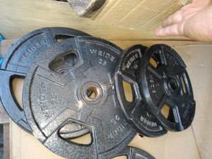 70 lbs standard weider plates and bar with spinlocks for Sale in Glendale, AZ