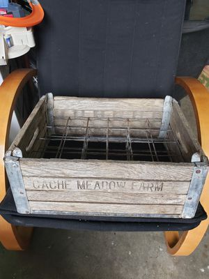 Antique bottle box. for Sale in Sandy, OR
