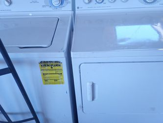 Set Washer And Dryer Need Repairs for Sale in Phoenix,  AZ