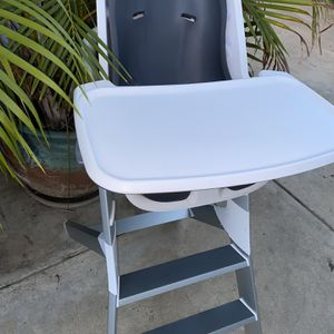 4moms High Chair for Sale in Long Beach, CA