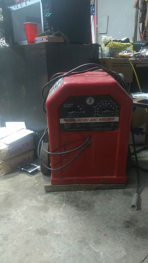 Lincoln AC/DC 225/125 ARC WELDER for Sale in Caruthers, CA