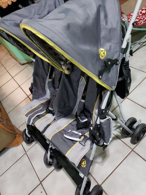 Double stroller for Sale in Del Valle, TX
