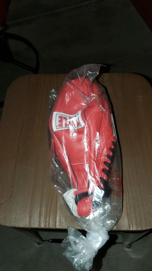 Title classic boxing speed bag for Sale in Sun City, AZ