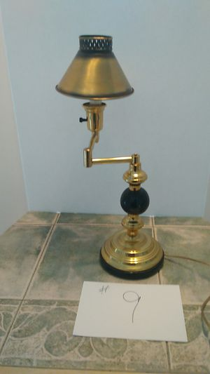 There way swivel desk lamp! for Sale in Arnold, MO