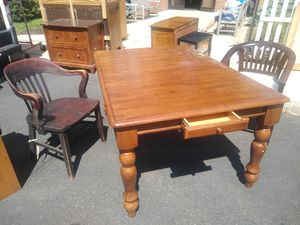 Dining room table with drawer for Sale in Philadelphia, PA
