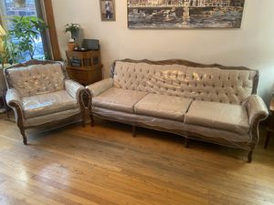 Antique couch and chair for Sale in Chicago, IL