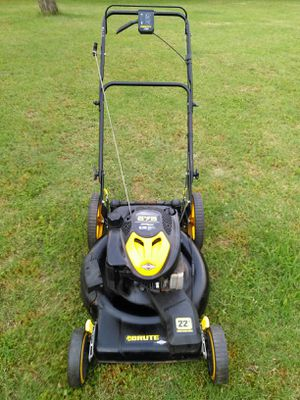 Briggs & Stratton 6.75 horsepower self-propelled lawn mower works absolutely great guaranteed to turn on on first pull for Sale in San Antonio, TX