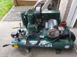 Rolair 5715K17-0277 1.5 Horsepower 115-Volt, 7.3 CFM at 90 PSI, 9 gal Twin Tank Electric Compressor for Sale in Lake Stevens, WA