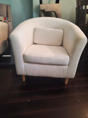 White Sofas (4x) for Sale in Brooklyn Park, MD